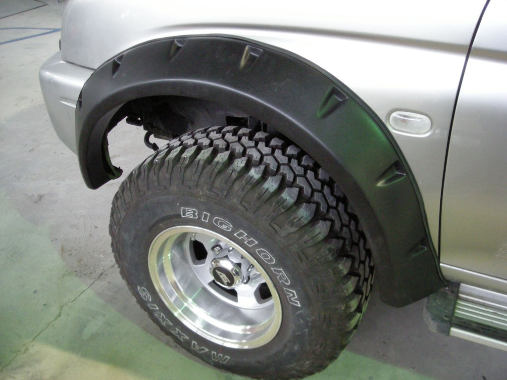 Wide Fender Flares Wheel Arches Pocket Style For